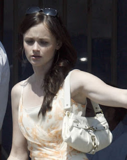 alexis bledel style1 Amateur girls and their oops nipple slips