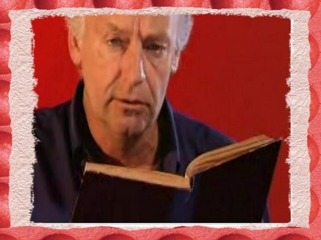 Galeano lendo um de seus contos