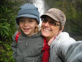Hiking at Multnomah Falls