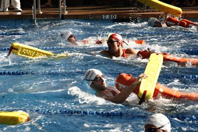 Web oficial c d sirenas de catarroja i jornada de liga for Piscina cubierta catarroja