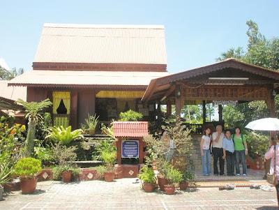 Ini adalah sebuah lagi rumah tradisional Melaka