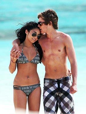 vanessa hudgens and zac efron kissing in bed. Vanessa Hudgens and Zac Efron