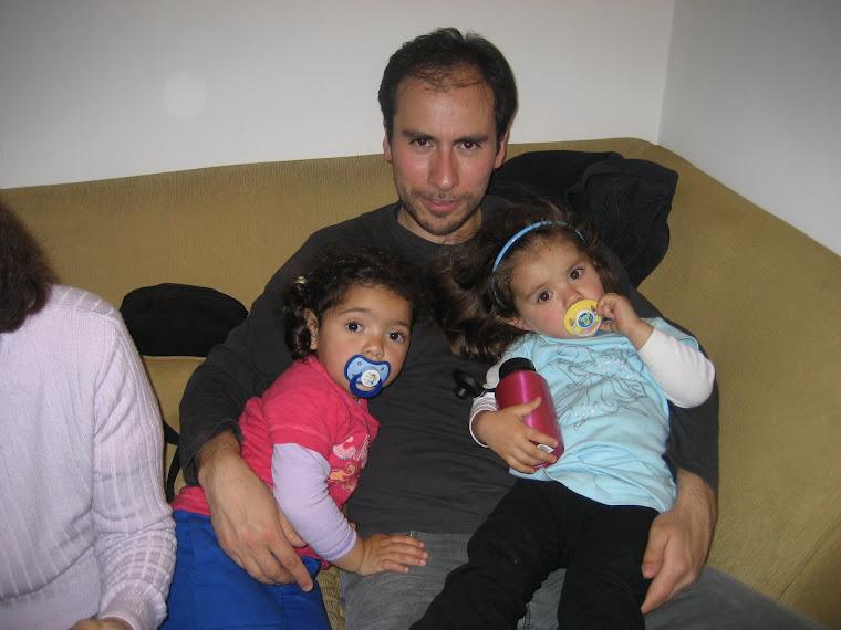 Gabriel con las chicas
