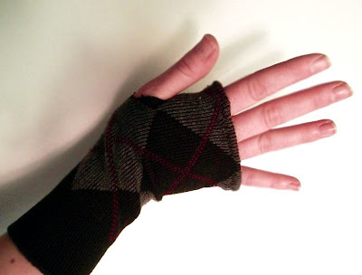 Bethany Sew-and-Sew: Bethany's Fingerless Mittens--My