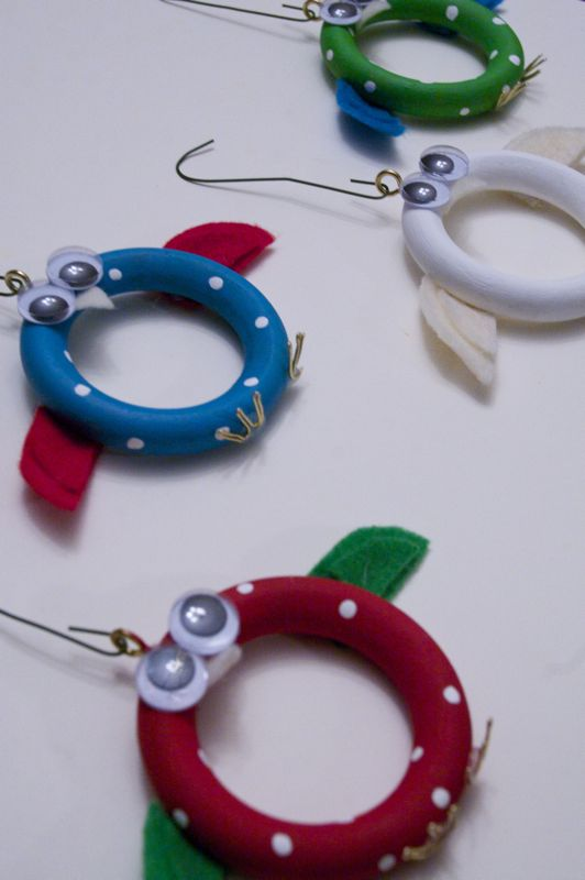 Christmas Decorations Using Curtain Rings : Ruffles and stuff birdie ornaments giveaway