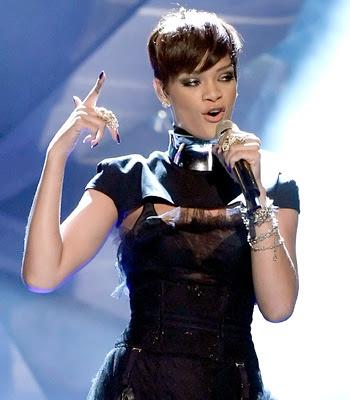 rhiana hairstyle. Rihanna#39;s Bob Hairstyle