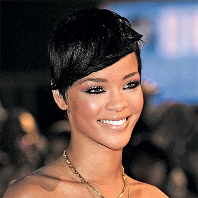 Rihannahairstyles on Rihanna S Sleek Straight Hairstyle