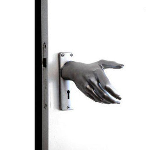 غرائب الاثاث Hand knob.jpg