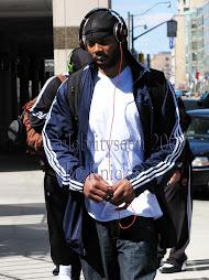 Knicks hit Toronto