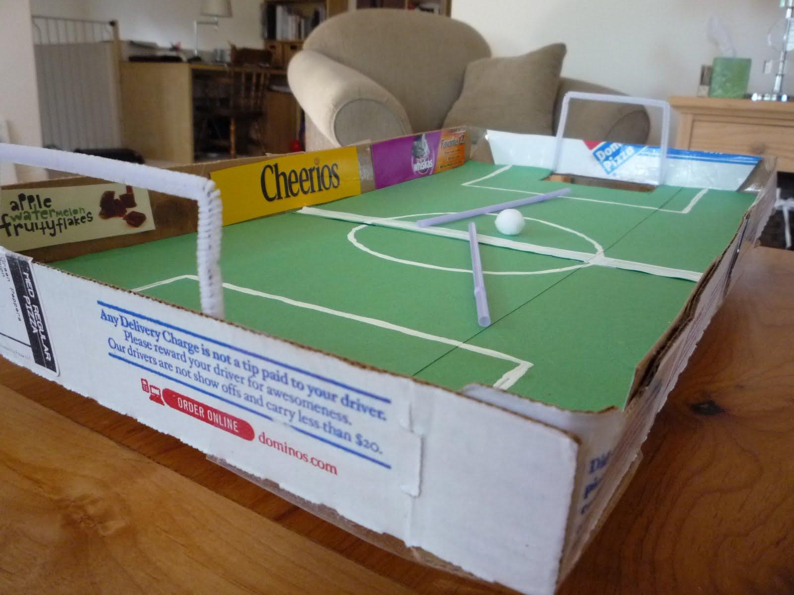 crafty mama pizza box football. Black Bedroom Furniture Sets. Home Design Ideas