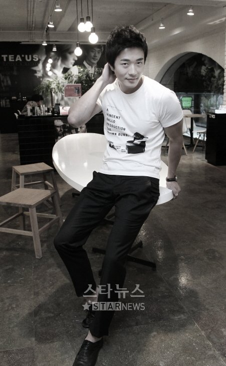 http://1.bp.blogspot.com/_-x7gqq9QJuA/TEfLHIHbdDI/AAAAAAAAMnE/U3D_TvAoiuI/s1600/20100721_kwonsangwoo.jpg