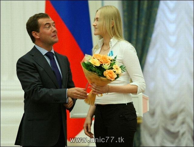 http://1.bp.blogspot.com/_-x7gqq9QJuA/TIBhor0k4QI/AAAAAAAARiw/i-Ji5S9Ovpk/s1600/russia_president_12.jpg