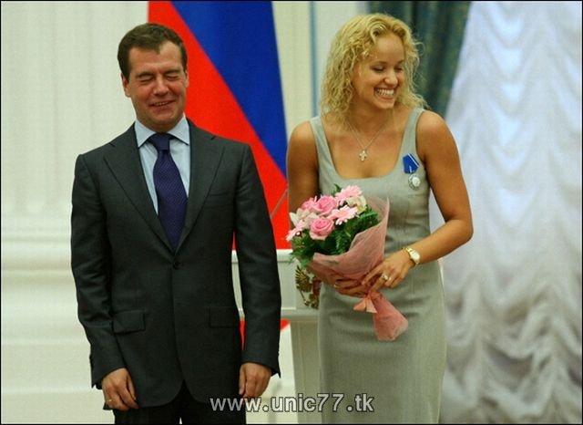 http://1.bp.blogspot.com/_-x7gqq9QJuA/TIBjKHQqVnI/AAAAAAAARjo/OMCT0MAq_yM/s1600/russia_president_05.jpg
