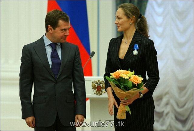 http://1.bp.blogspot.com/_-x7gqq9QJuA/TIBjKxxPXkI/AAAAAAAARj4/od8olbt79kU/s1600/russia_president_03.jpg