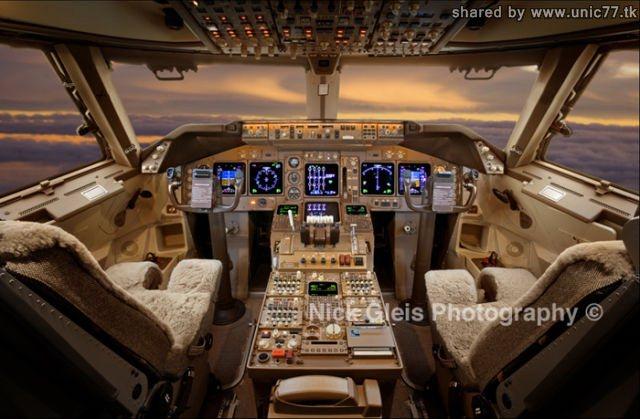 http://1.bp.blogspot.com/_-x7gqq9QJuA/TIHEQ6UCSrI/AAAAAAAASNI/D0Dz4gZn2YA/s1600/interiors_of_the_640_13.jpg