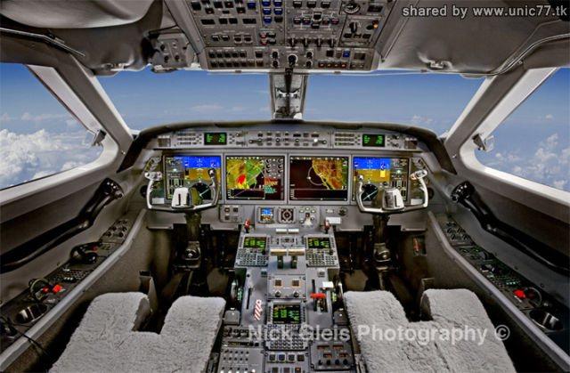 http://1.bp.blogspot.com/_-x7gqq9QJuA/TIHEQrfjPbI/AAAAAAAASNA/3WVVhQd71EM/s1600/interiors_of_the_640_14.jpg