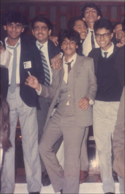shahrukh khan with his friends - 6