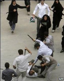 http://1.bp.blogspot.com/_-xxinbGsYdE/SjYXrDG0LCI/AAAAAAAAAFc/E2kICu56PB8/s320/Iran_elections.jpg