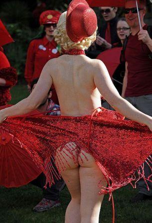 ... negara barat pun praktek prostitusi mengalami diskrimasi padahal