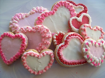 pink heart valentines day sugar cookies frosting idea