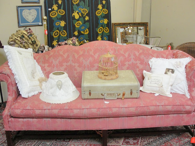 pink mauve vintage shabby chic victorian sofa couch