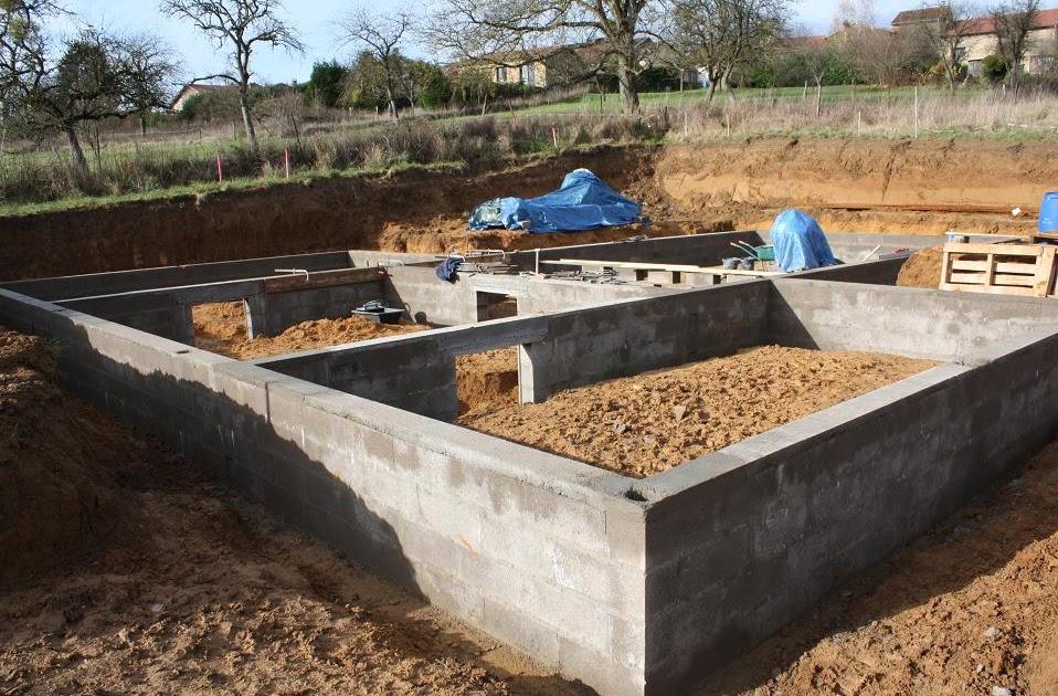 Autoconstruction de notre maison fin de l 39 arase et for Coffrage vide sanitaire