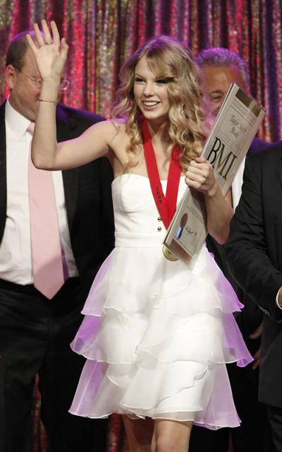 [taylor-swift-5199-8_preview.jpg]