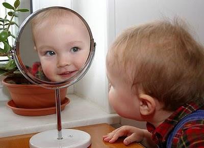 Encontrarse con uno mismo el espejo for Espejo para ver al bebe