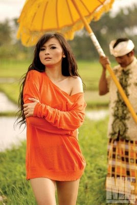 http://bambang-gene.blogspot.com/2011/07/debby-ayu-pemeran-film-13-cara.html