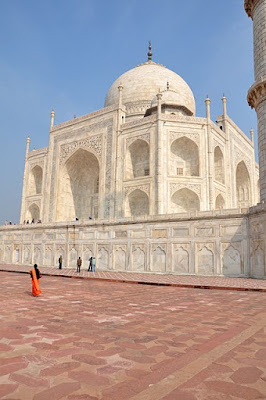 The main tomb building of the Taj Mahal
