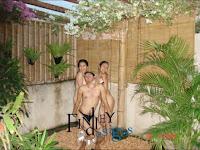 Foto Telanjang Bugil Rahma azhari dan Sarah Azhari - Dreamland Bali pakai bikini mandi bugil