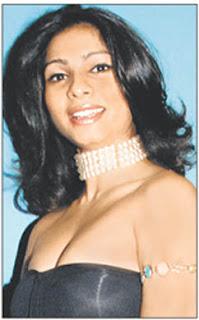 saath uday chopra and tanishaa it looks like tanishaa and uday chopra    Uday Chopra Girlfriend