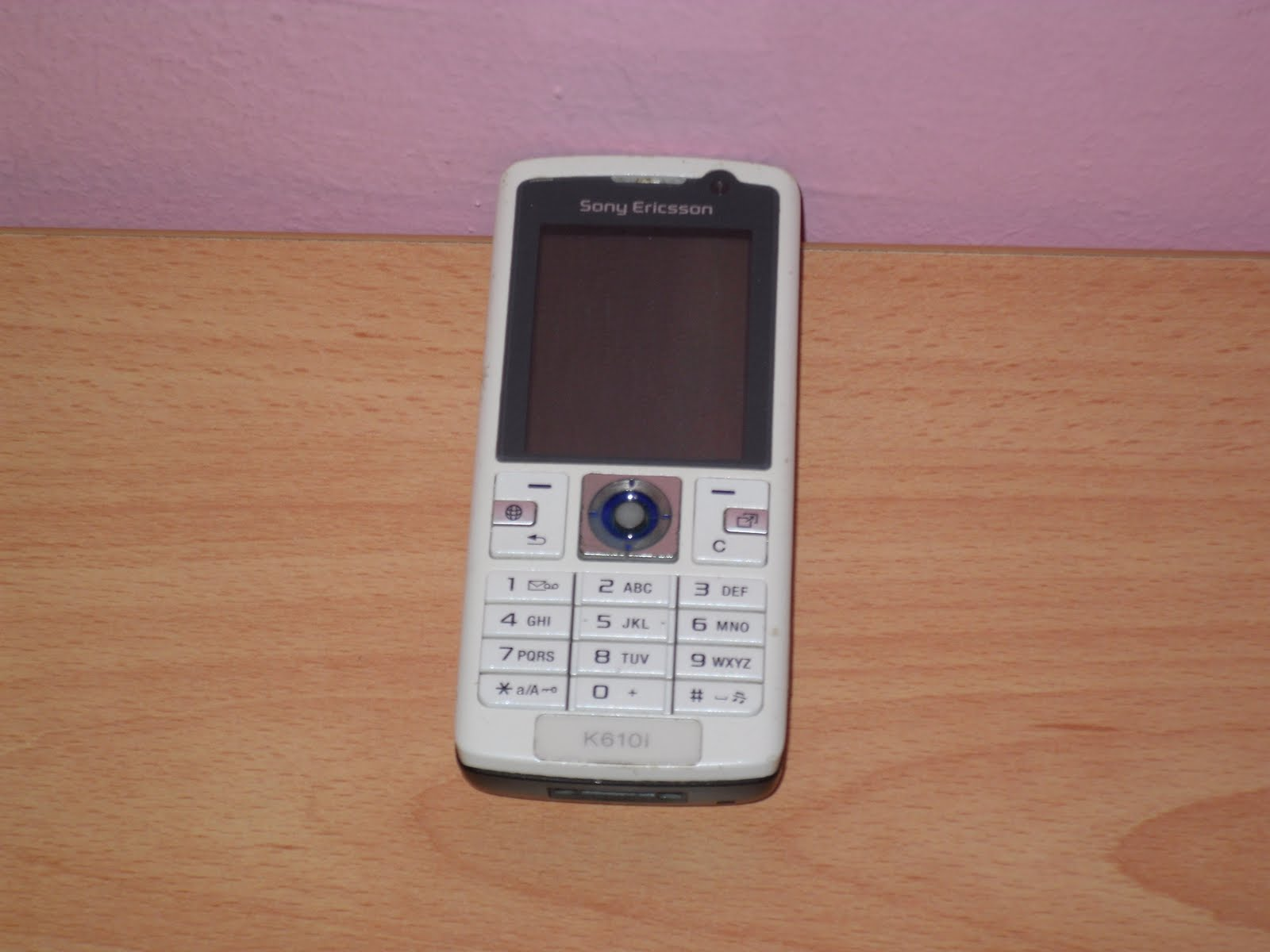 A target=blank href=http://gsmspexblogspotcom/2014/11/sony-ericsson-k618htmlview website of this image/a br /b