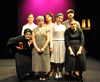 teatro universitario galego historia de pura e angelita da aula de teatro da USC