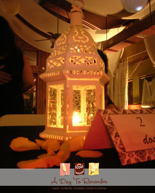 A close up of the lantern centerpieces