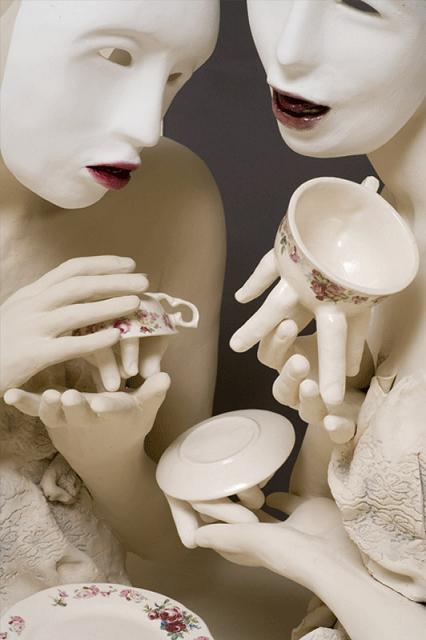 ronit baranga esculturas dedos bocas porcelana perturbador