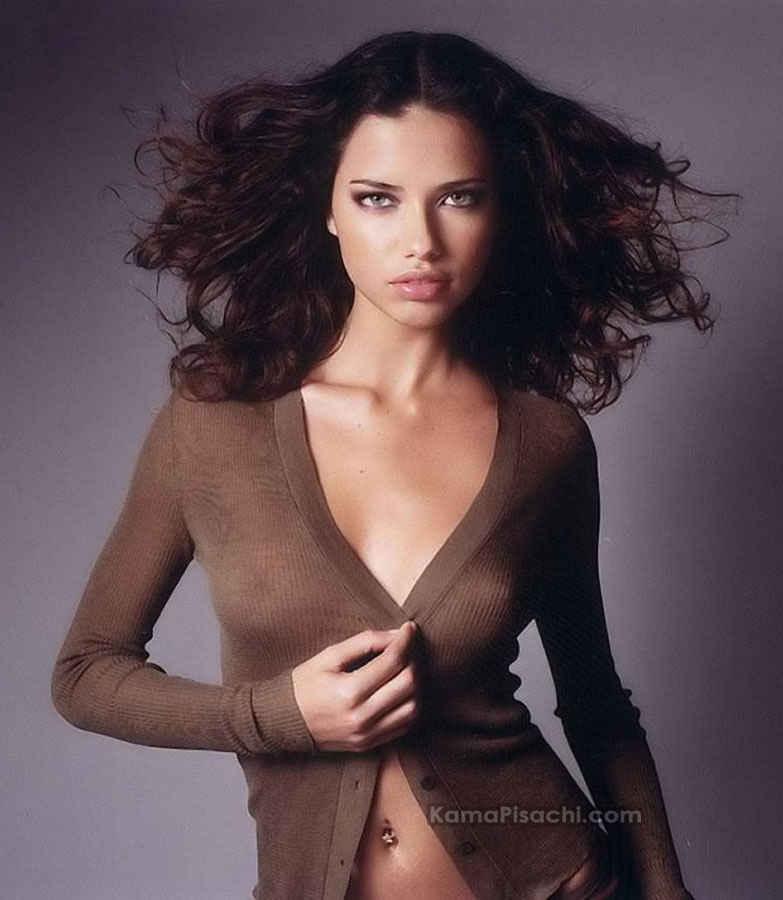 [Adriana+Lima+Nipples+slip+2.jpg]