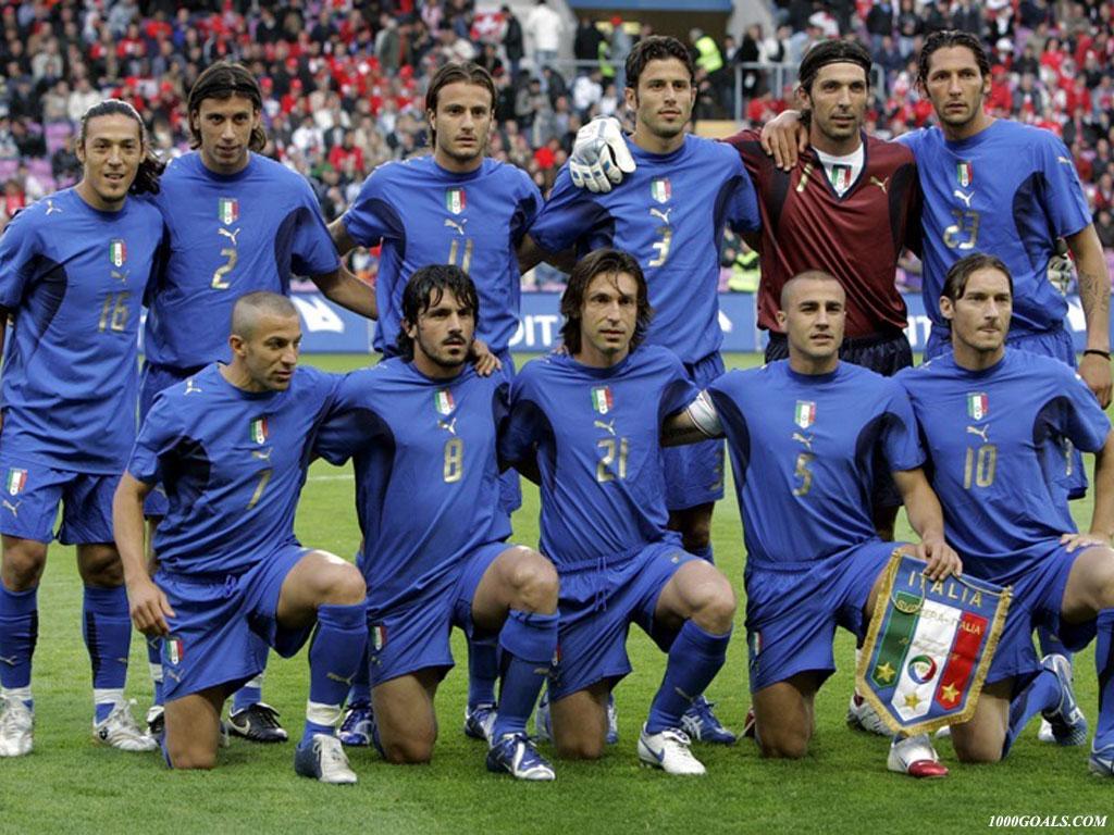 http://1.bp.blogspot.com/_0CpdfKYOfio/TCmv6qbjR0I/AAAAAAAABL0/5RqdSf201Uc/s1600/italia-italy-national-team-wallpaper.jpg
