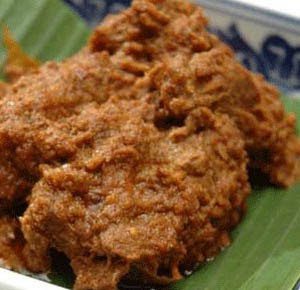 Indonesian Beef Curry (Rendang)