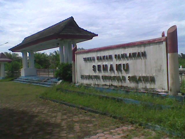[Taman+makam+pahlawan+semaku+kabupaten+bengkulu+selatan.jpg]