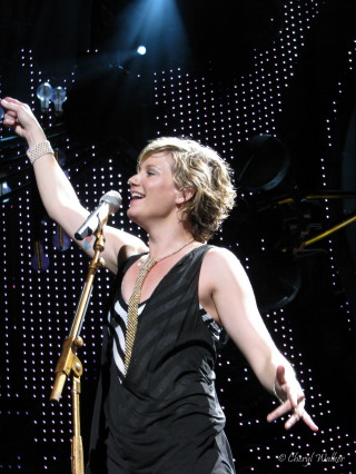 Jennifer Nettles is such a joy to watch, playfully toying with
