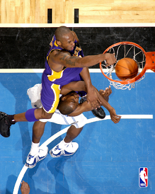 kobe bryant dunks on dwight howard. VII: Kobe Bryant ON Dwight