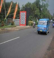 Lokasi Pinggir Jalan Raya