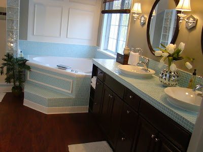 Master Bathroom Remodel on Much To Do With Nothing  Master Bathroom Remodel On A Budget