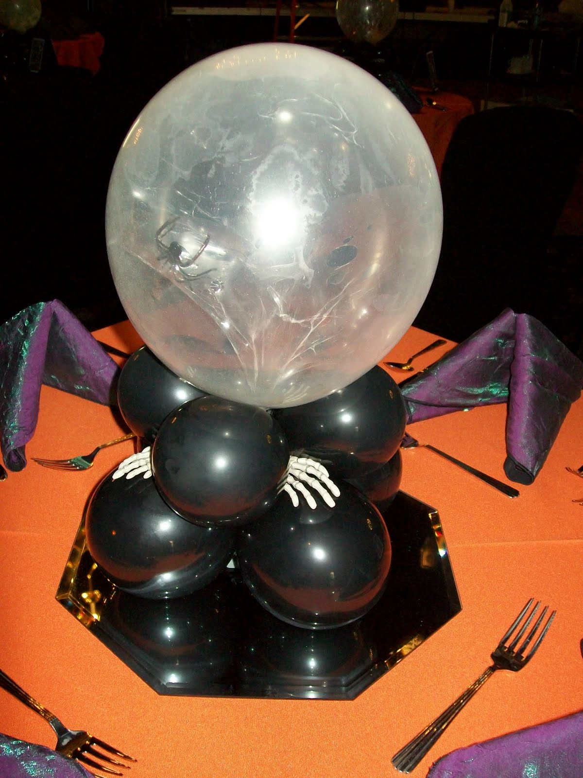Party people event decorating company halloween ball for Balloon decoration for halloween