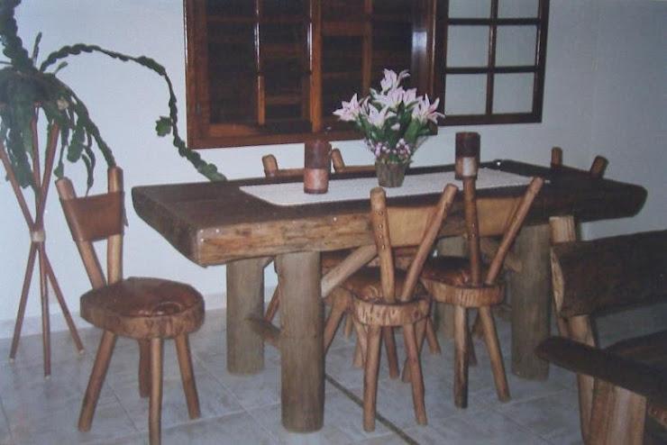 Mesa e cadeiras [3]