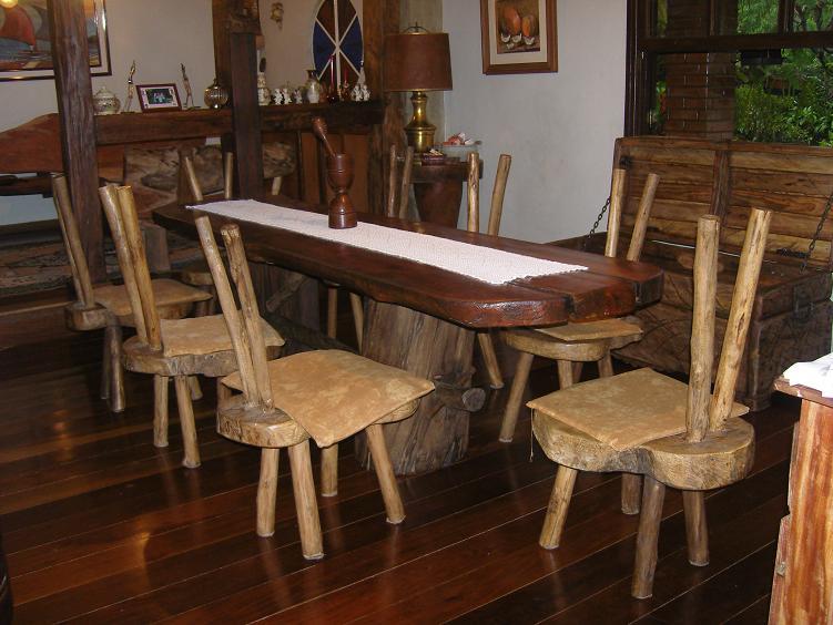 Mesa e cadeiras [1]