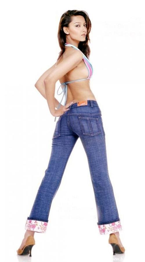 Deepika Padukone In Jeans And Top