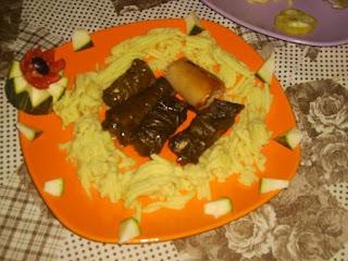 Articole culinare : Sarmalute si praz umplut cu garnitura de piure