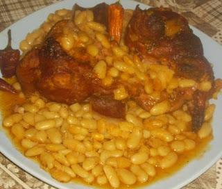 Articole culinare : Iahnie de Fasole cu Ciolan Afumat